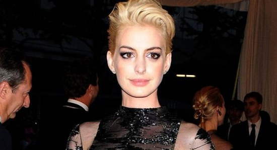 Anne Hathaway went punk rocker chic at the MET Gala