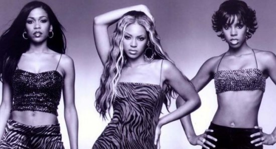 Beyonce rocks her curled weave