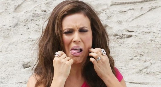 Alyssa Milano pulls interesting face