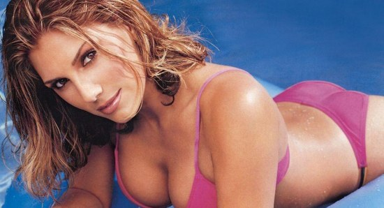 Daisy Fuentes in modelling pose