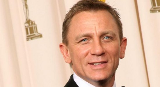 Daniel Craig at an awards ceremony