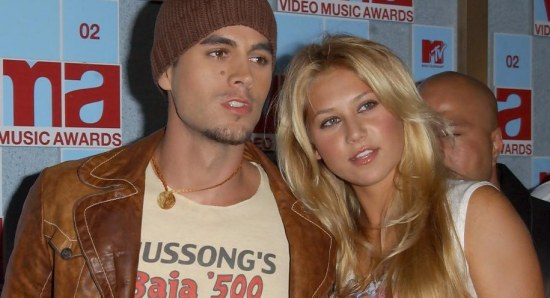 Enrique Iglesias and Anna Kournikova are still very much in love