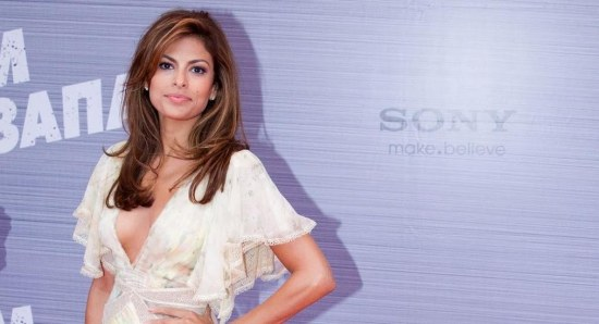 Eva Mendes looking gorgeous in white dress