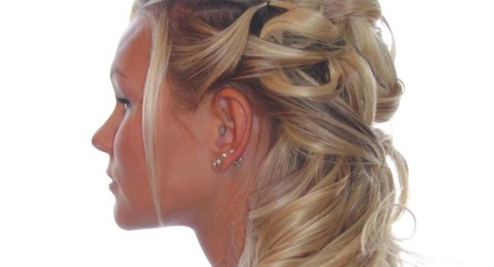 A beautiful messy braid or loose, flowing look always looks great