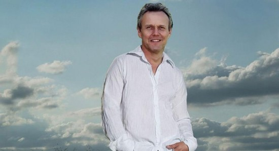 Anthony Head plays Will's dad