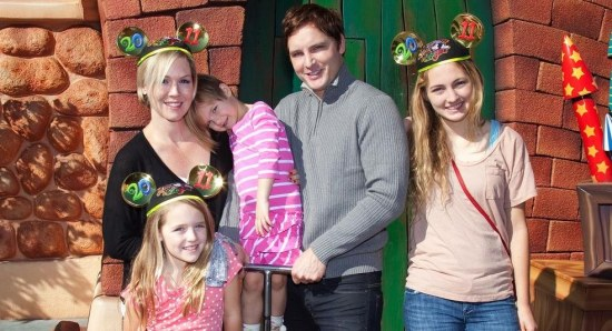 Peter Facinelli with his ex-wife and children