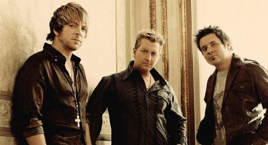 Rascal Flatts pose for photo