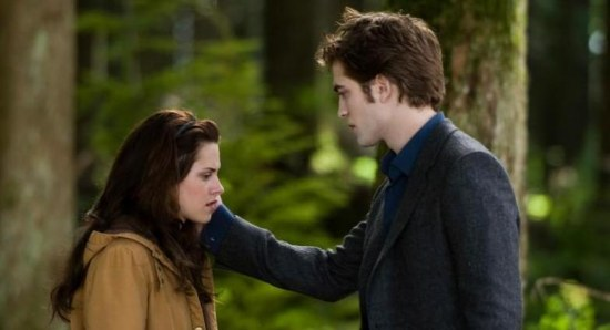 Kristen and Robert in Twilight as Bella and Edward