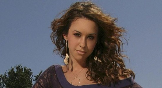 Lacey Chabert in a modelling pose