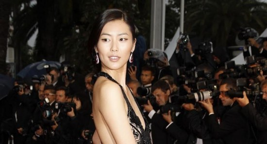 Liu Wen looking glamorous on the red carpet