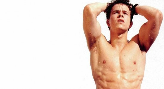 Mark Wahlberg without shirt looking hot
