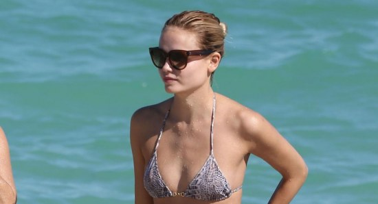 Natasha Poly looking great in bikini