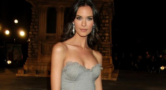 Odette Annable looking glam