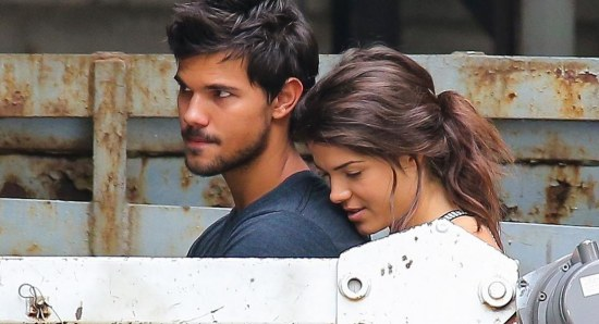 Marie Avgeropoulos with Taylor Lautner