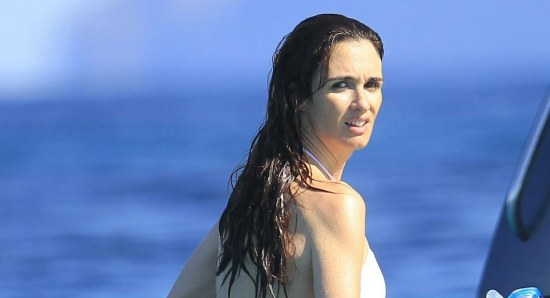 Paz Vega looking great in bikini
