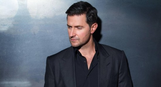 Richard Armitage looking stylish in suit
