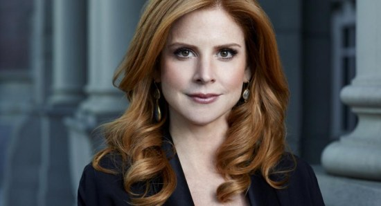 Sarah Rafferty plays Donna in Suits