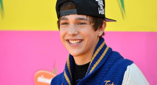 Austin Mahone is compared to Justin Bieber