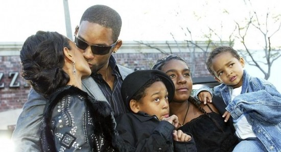 Will and Jada share a kiss
