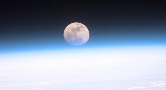 Aboard the commercial space station, moon-viewing is expected to be a common pastime