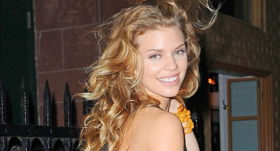 AnnaLynne McCord thanks 90210 fans for support