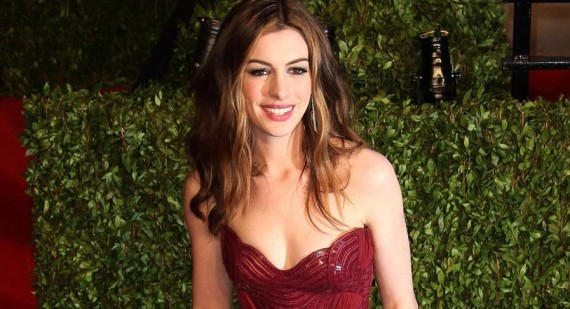 Anne Hathaway reveals weight loss issues