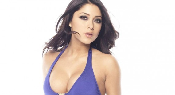 Arianny Celeste strips off for Pain and Gain movie quiz