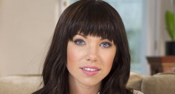 Carly Rae Jepsen continues to look up to Justin Bieber