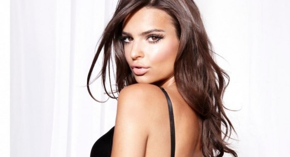 "Emily Ratajkowski banned from Instagram for ""inappropriate content"""