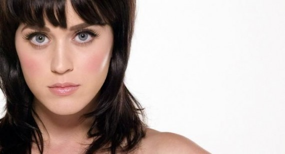 Katy Perry talks about feeling 'fat' and hiding her curves