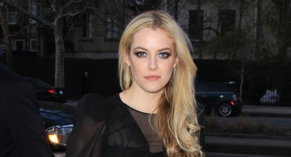 Riley Keough not dating Robert Pattinson, rep confirms