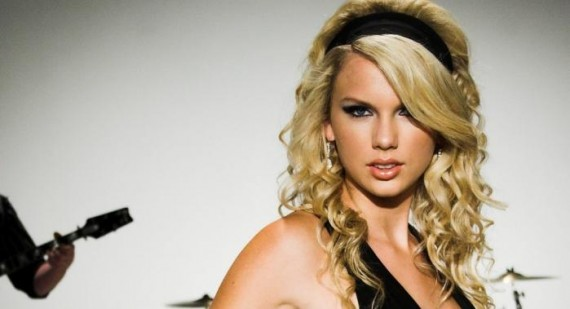 Taylor Swift has a loving relationship with her fans
