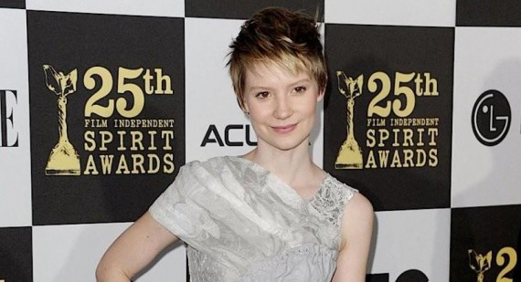 Mia Wasikowska discusses working in indie films after 'Alice in Wonderland'
