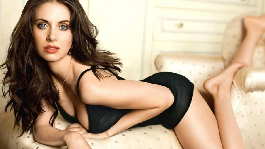 Alison Brie preparing for release of new movie How to Be Single