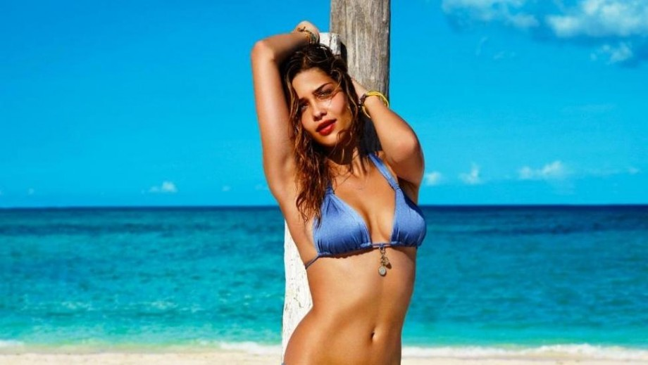 """Ana Beatriz Barros 'hot' body earns her position as """"Intimissimi"""" face"""