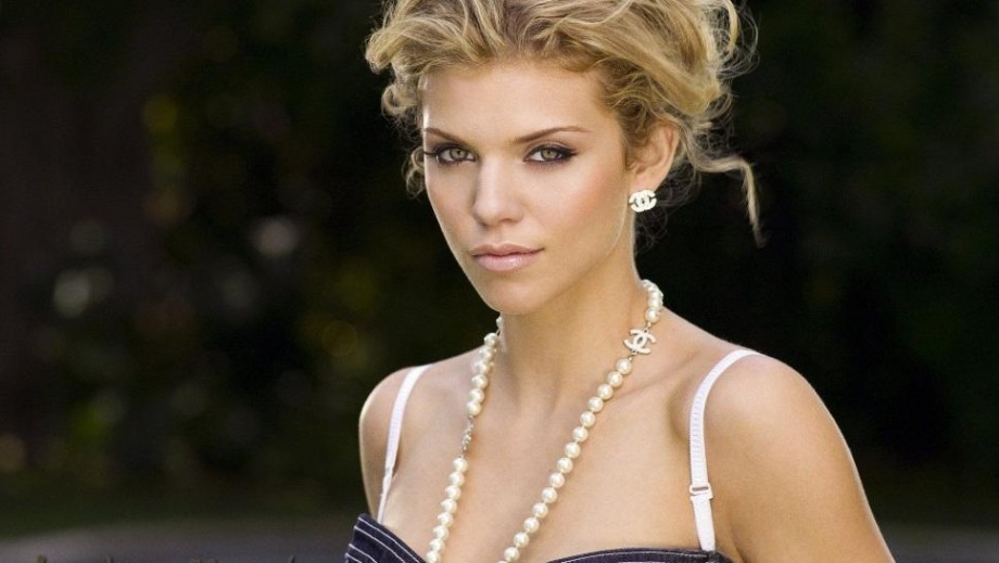 Annalynne McCord looking forward to an exciting 2014