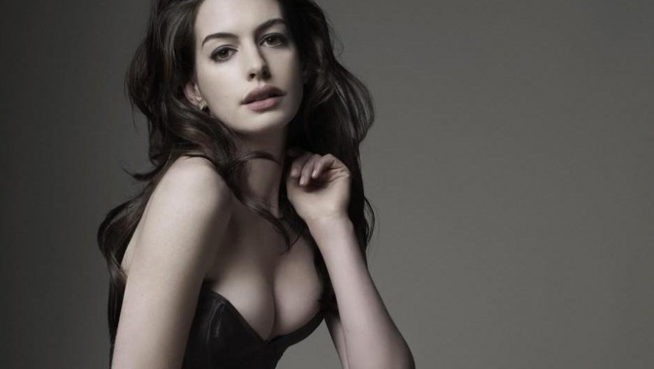 Anne Hathaway is busy Hollywood beauty