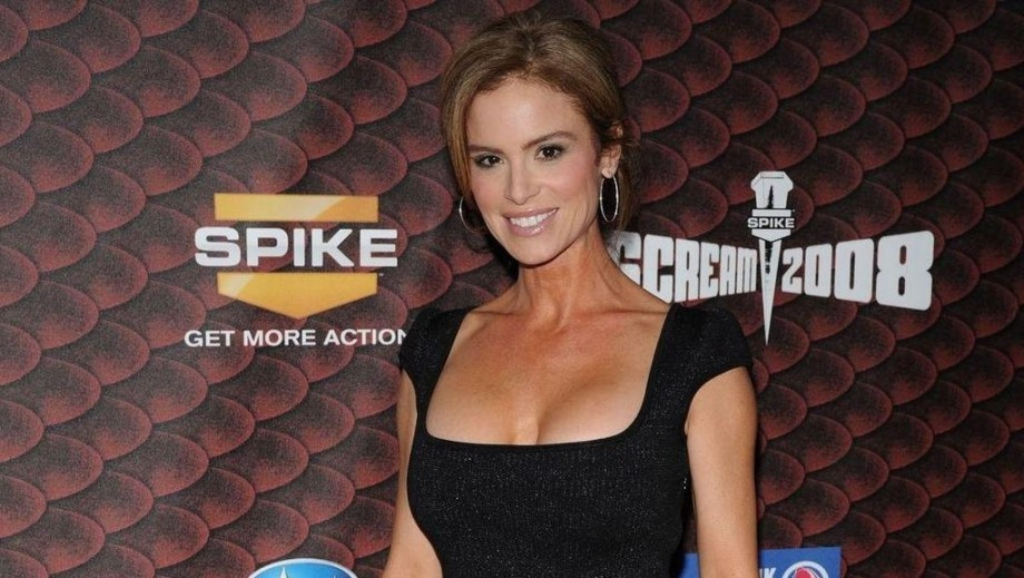 Betsy Russell preparing for new films with return to theatre?