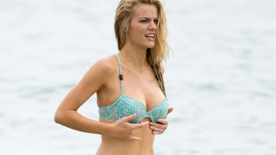 Brooklyn Decker focusing on movie career following Friends With Better Lives cancellation