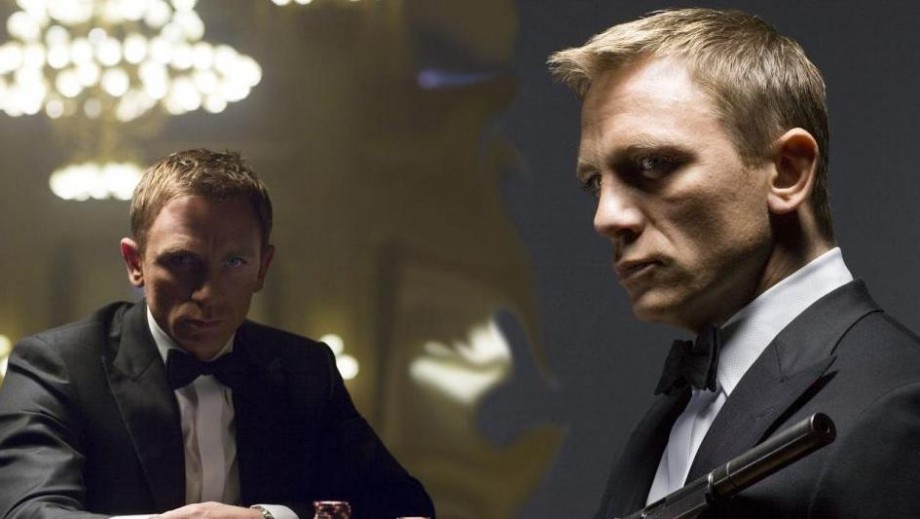 Daniel Craig's rugged good looks gets 007 fans excited at Alps photo shoot
