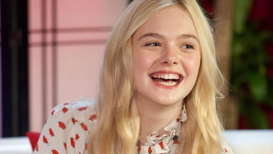 Elle Fanning faces the spindle prick in new Maleficent pics