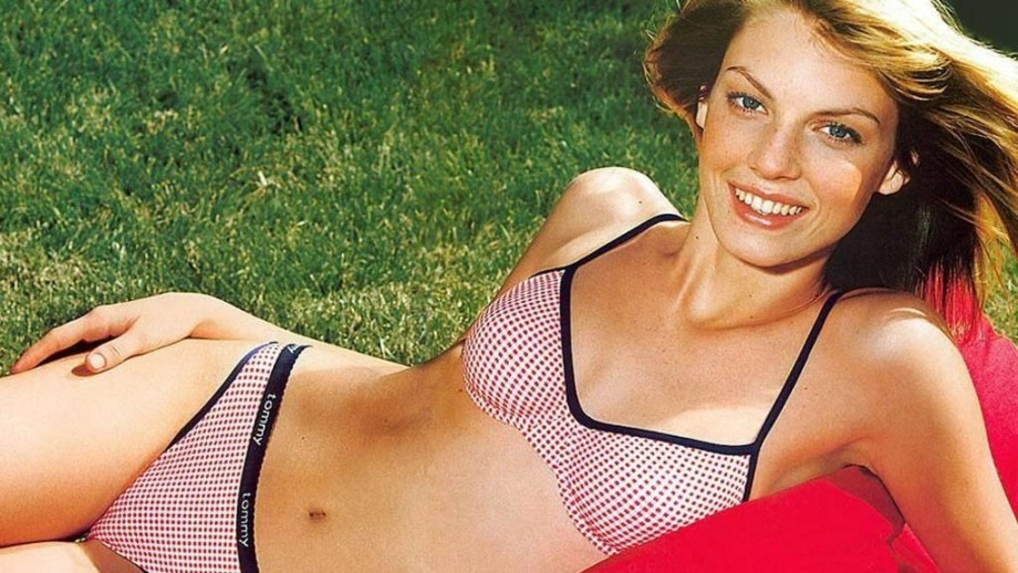 Girl of the Day: American model and actress Angela Lindvall