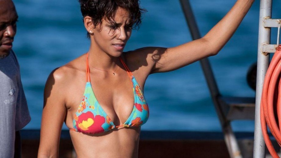 Halle Berry receives high praise from her Extant co-stars