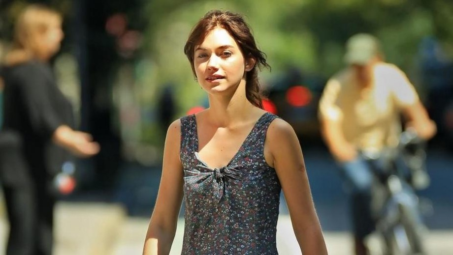 Imogen Poots emerges as comedic movie sensation who knows her strengths