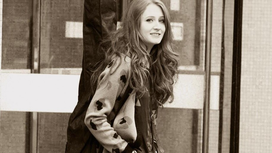 Janet Devlin preparing for release of debut album Running With Scissors in the US