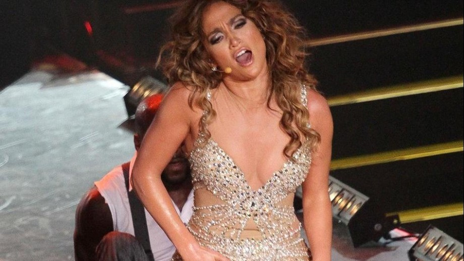 Jennifer Lopez plastic surgery is a no go