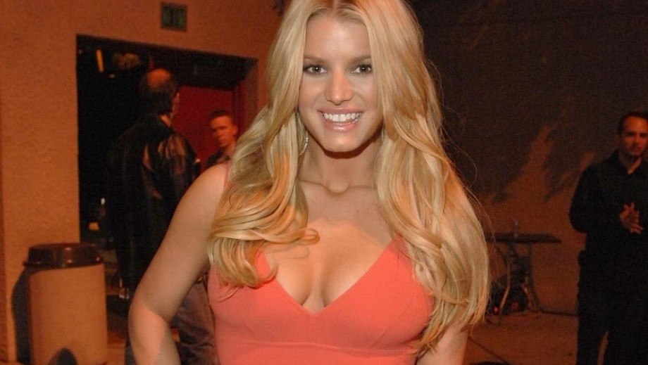 Jessica Simpson opens up about her battle with her weight and her family life