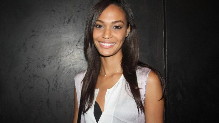 Joan Smalls is the Puerto RIcan model showing how it's done