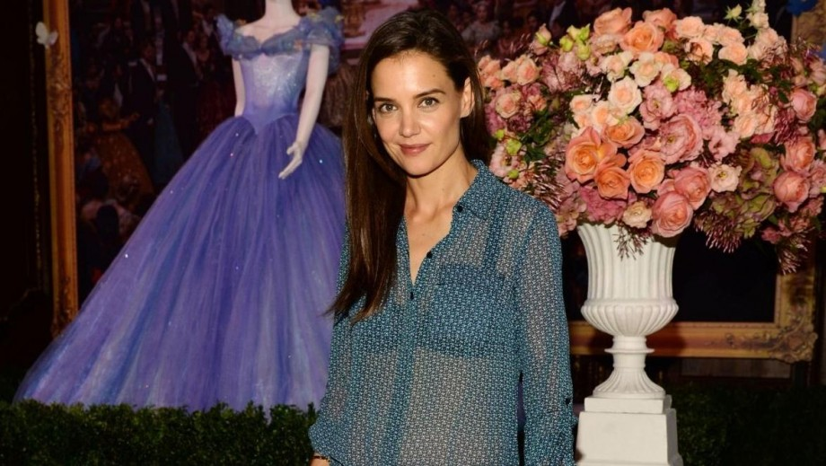 "Katie Holmes wet t-shirt dance increases interest in movie ""All We Had"""