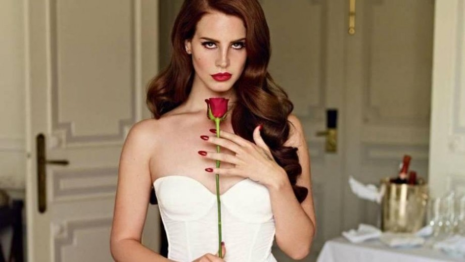Lana Del Rey insists she performed at Kim Kardashian and Kanye West's wedding for free